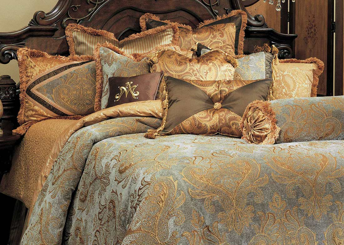 Elizabeth Bedding Set By Aico Aico Bedding