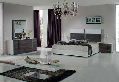 Italian Grey and White Bed VG Damien