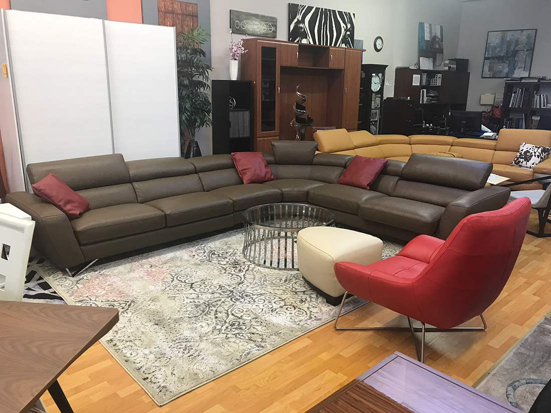 Wondrous Top Grain Leather Sectional Sofa Sparta Leather Sectionals Interior Design Ideas Helimdqseriescom