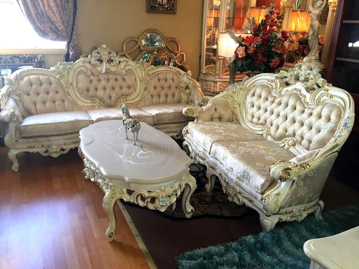 Ordinaire Sofa Provincial Victorian Model 6381