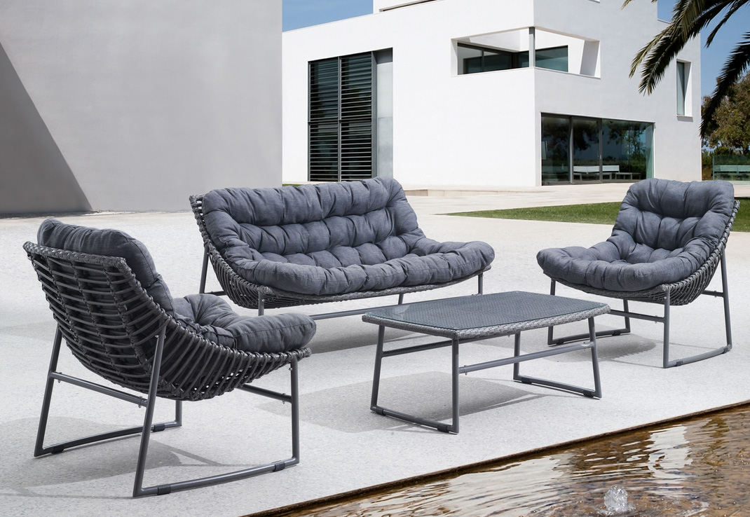 Modern outdoor collection zu30 outdoor furniture sets for Modern patio chairs