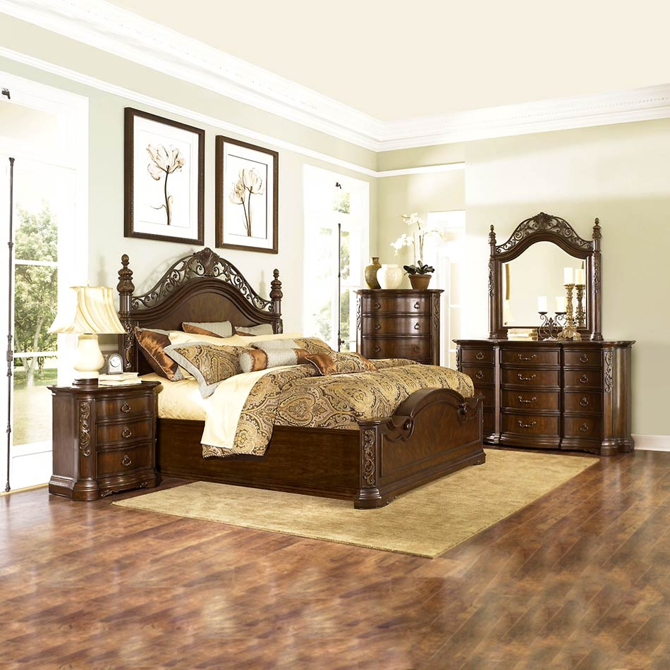 Bedroom mgn 604 traditional bedroom for Bedroom decor sets
