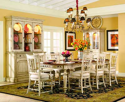 Summerglen Extendable Dining Table In Antique White By