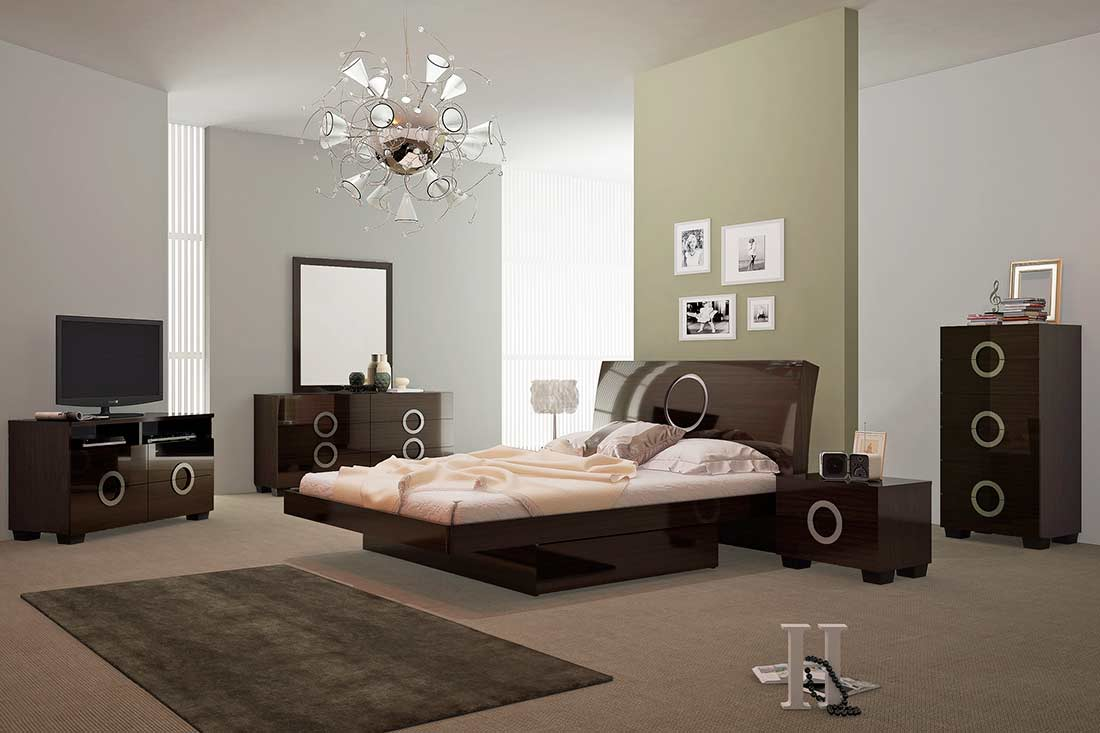 Captivating Modern Glossy Wenge Bed GU Verezzo