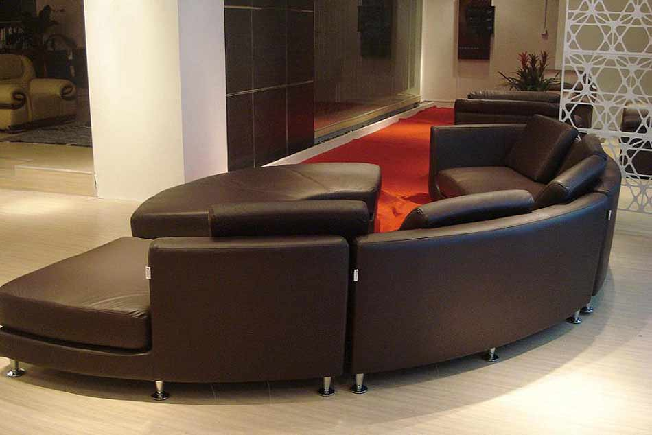 roller espresso leather sectional round sofa leather sectionals. Black Bedroom Furniture Sets. Home Design Ideas