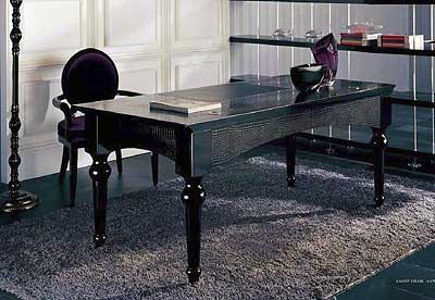 EVG701 Black Lacquer Crocodile Desk
