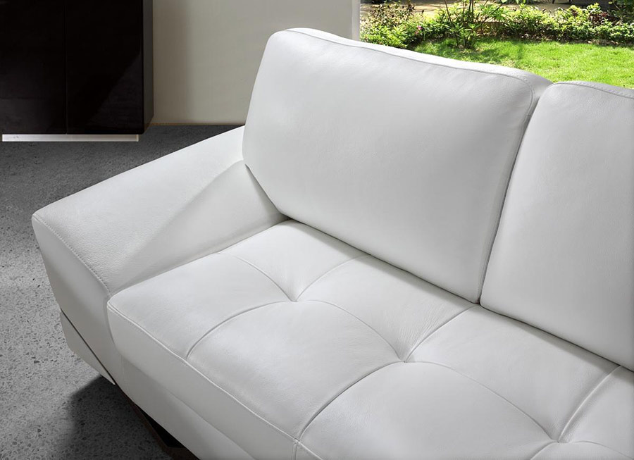 Modern White Leather Sofa Set 900 x 653